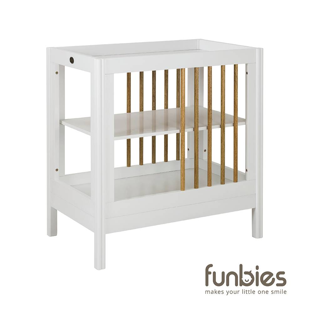Clover Change Table (White)